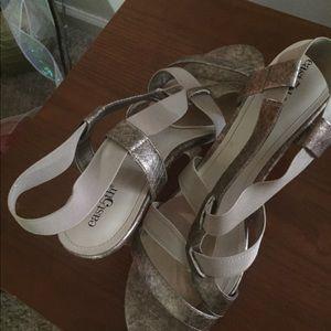 Bronze ( gold ) heels